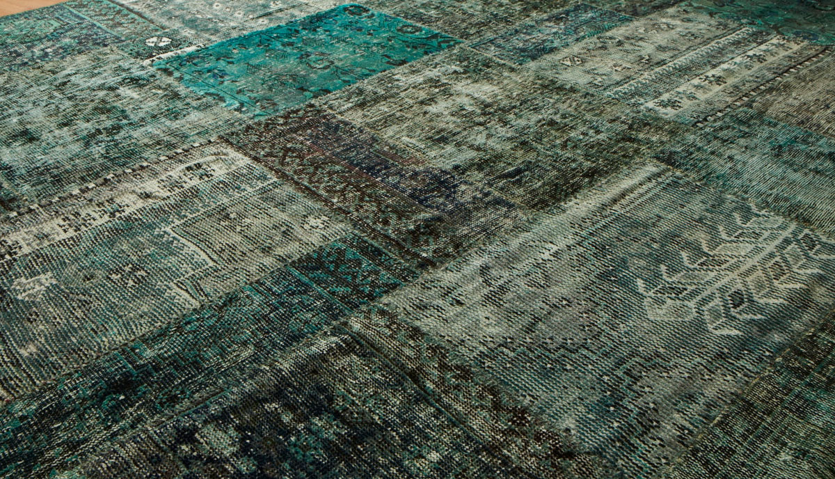 Los tapetes Las alfombras, visten cualquier tipo de suelo. Hay muchos tipos de suelo, algunos cálidos otros menos cálidos y también hay infinidad de tipos de alfombras. Puedes elegir según sus formas, rectangulares, cuadradas y hasta circulares.