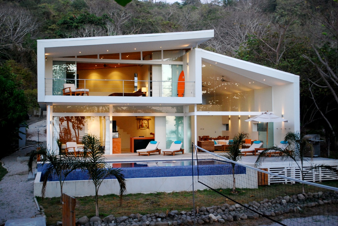 Casas lindas 26 fotos inspiradoras arquidicas for Beautiful modern house designs