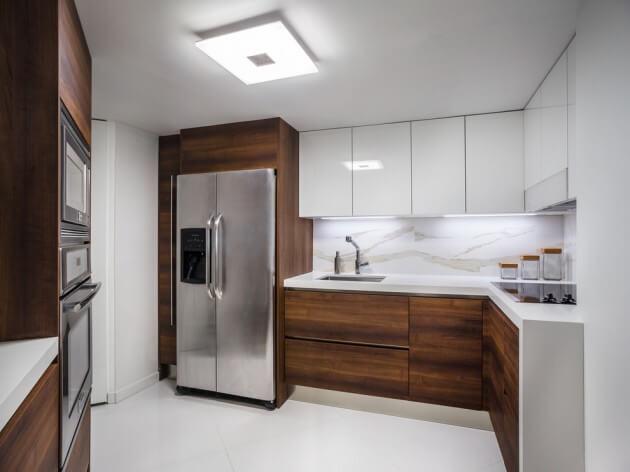 Cozinhas Pequenas Dicas de Arquiteta  Arquidicas # Armario De Cozinha Em Cima Da Geladeira