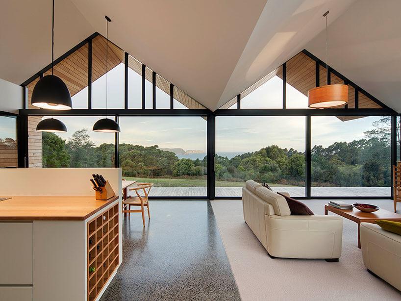 Casa de campo de madeira-e-de-material
