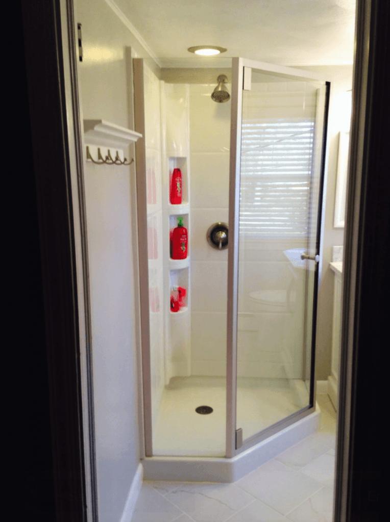 #474635 Banheiros Pequenos Fotos e Dicas Imperdíveis Arquidicas 764x1024 px Banheiros Pequenos Simples E Bonitos 2018 3805