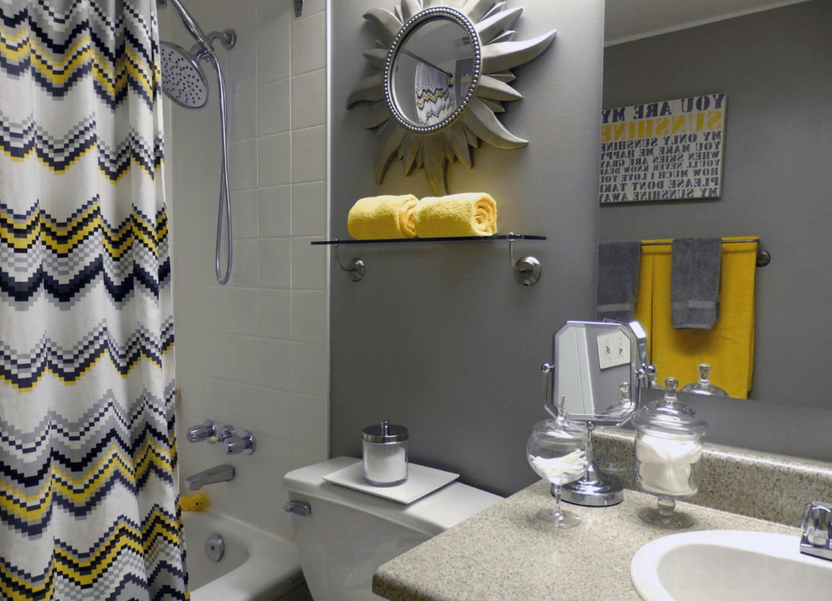 Em banheiros pequenos o ideal é usar o porcelanato ao invés da  #A1872A 1658 1198