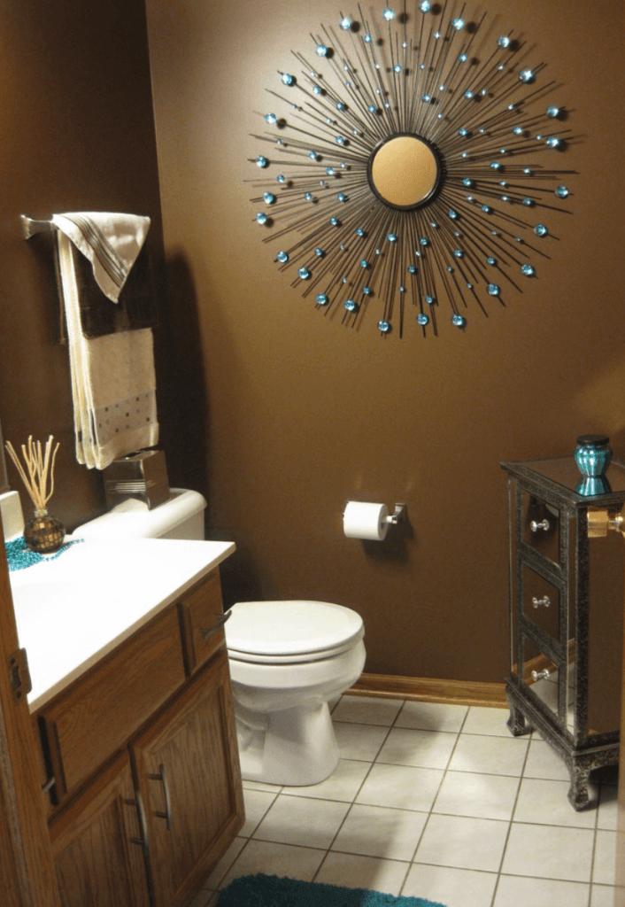 banheiro pequeno e aconchegante