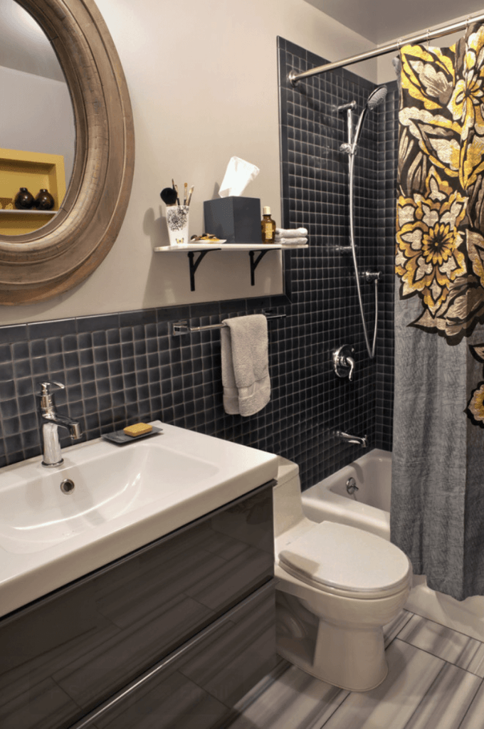 banheiro pequeno e bonito