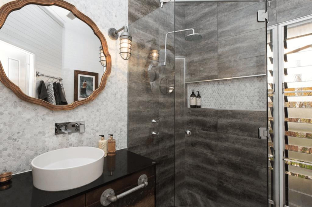 banheiro pequeno de luxo