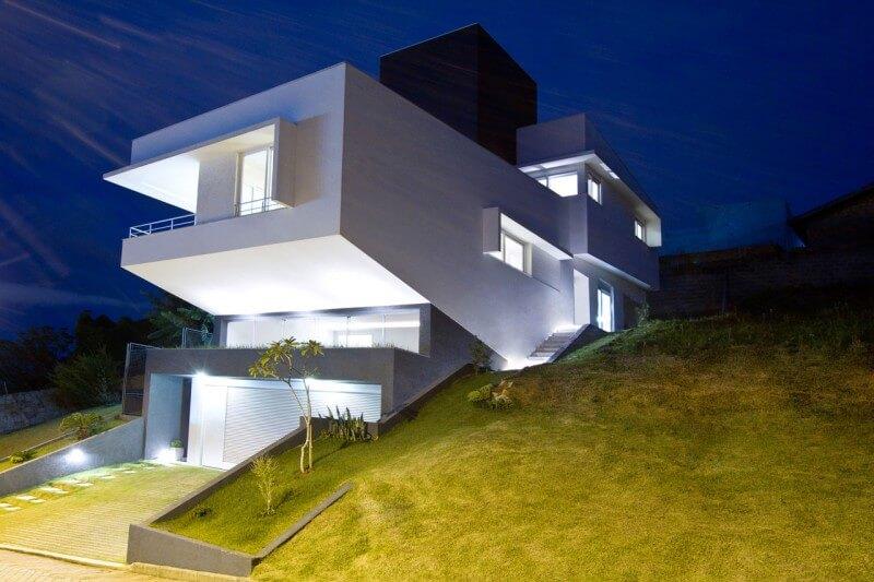 casa com terreno desnível