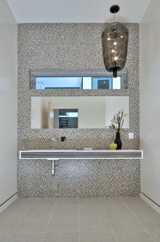 23 Banheiros com Pastilhas Lindas  Arquidicas -> Banheiros Modernos Decorados Com Pastilhas De Vidro