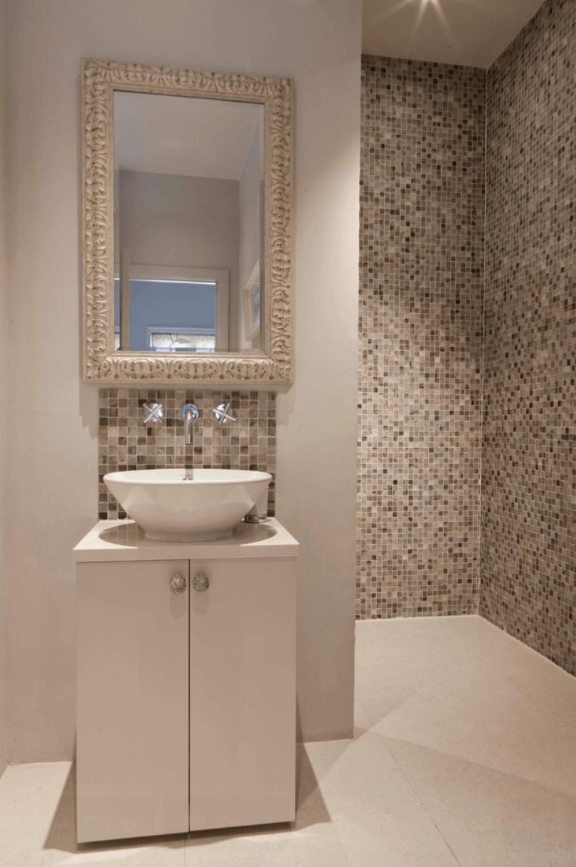23 Banheiros com Pastilhas Lindas  Arquidicas -> Banheiro Decorado Com Pastilhas Marrom