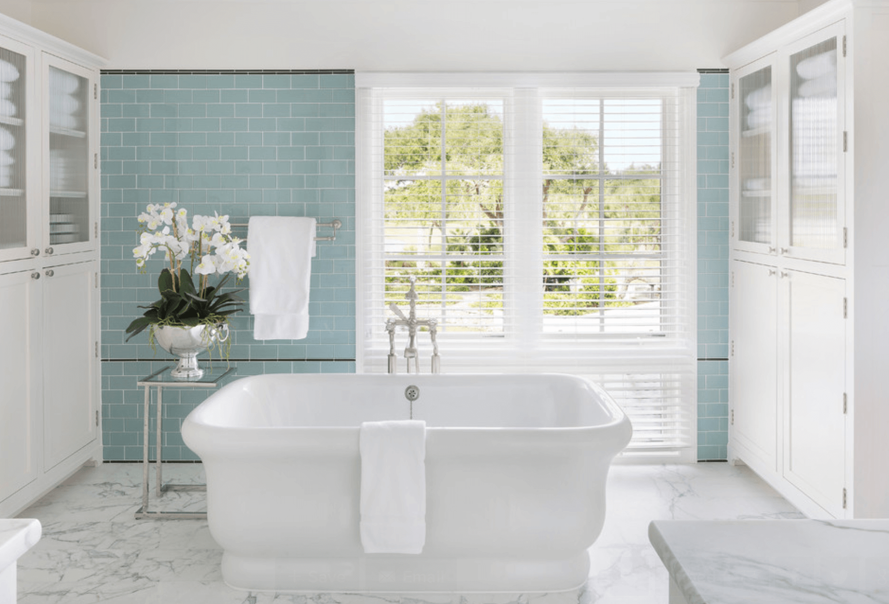 23 Banheiros com Pastilhas Lindas  Arquidicas -> Decoracao Com Pastilhas De Vidro Em Banheiro