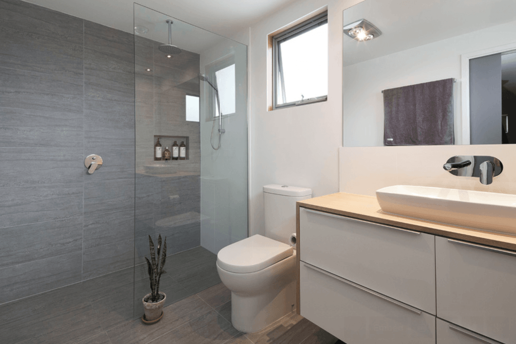 Banheiro simples e moderno
