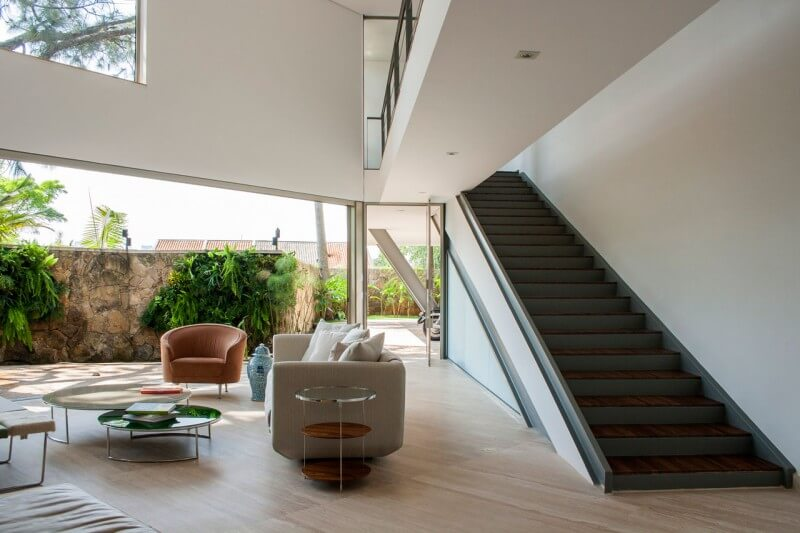 escada casa offset