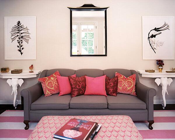Decoração de sala pequena com sofá