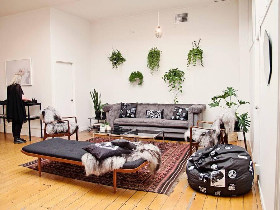 Sala com plantas pequena