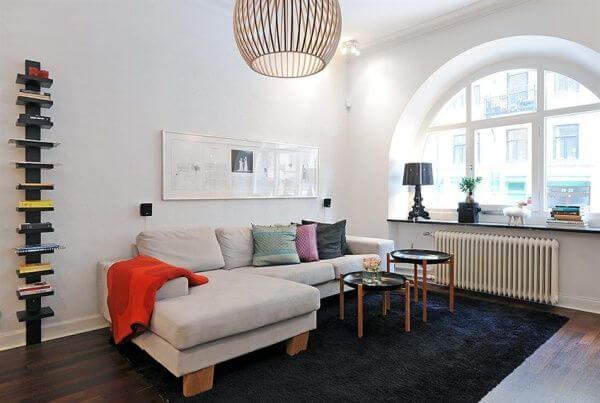 Sala simples e pequena