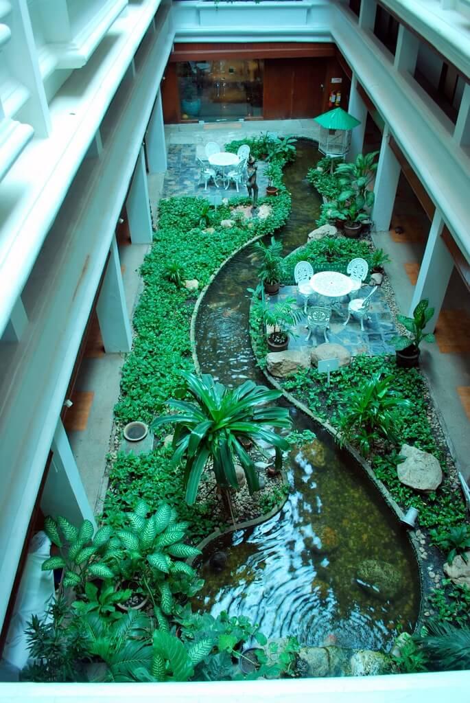 Jardim de Inverno com Lago