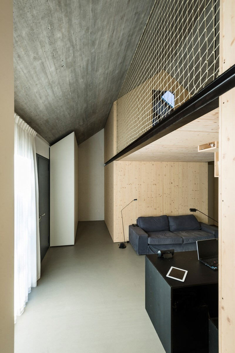 compact karst house interna