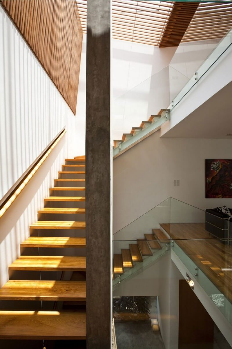 casa m11 escada