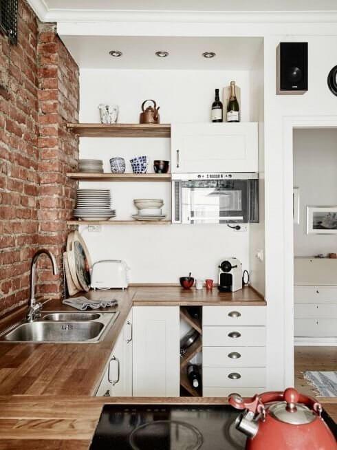cozinha pequena planejada com tijolos