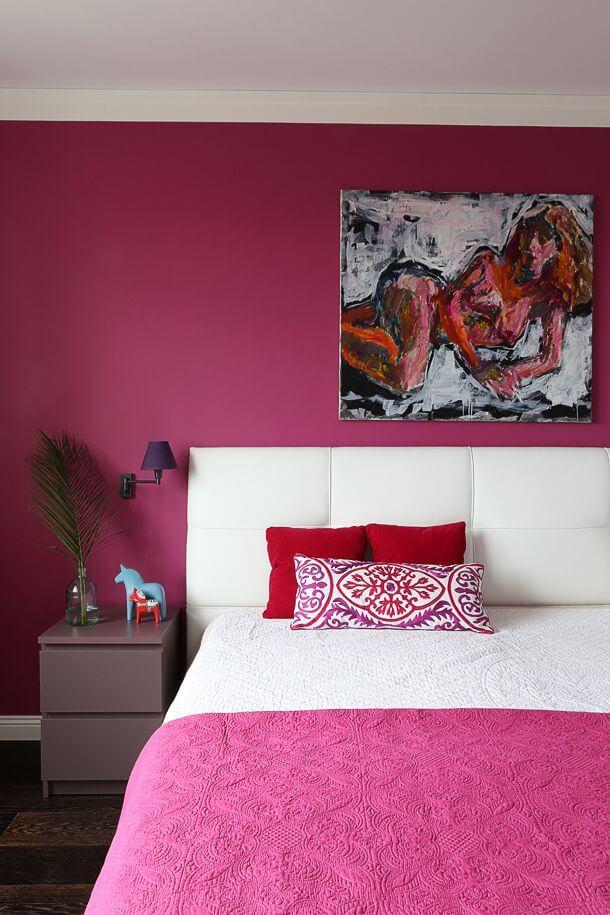 quarto rosa escuro