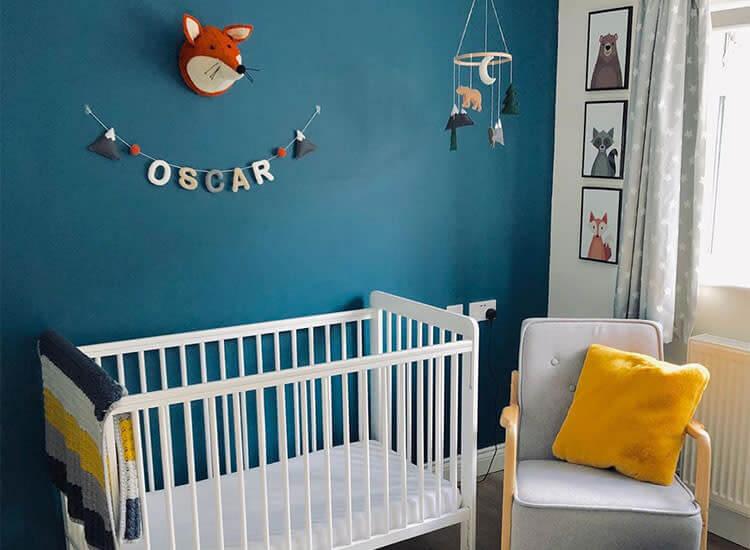 Quarto azul para bebê