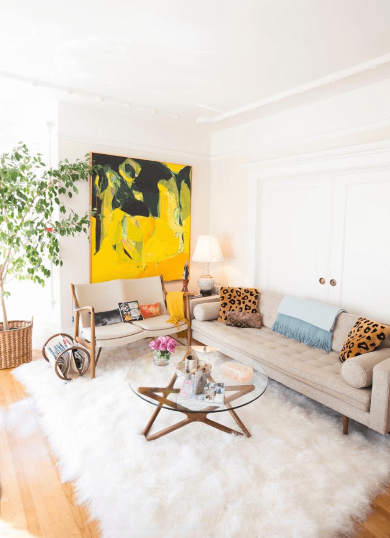 Sala pequena amarela
