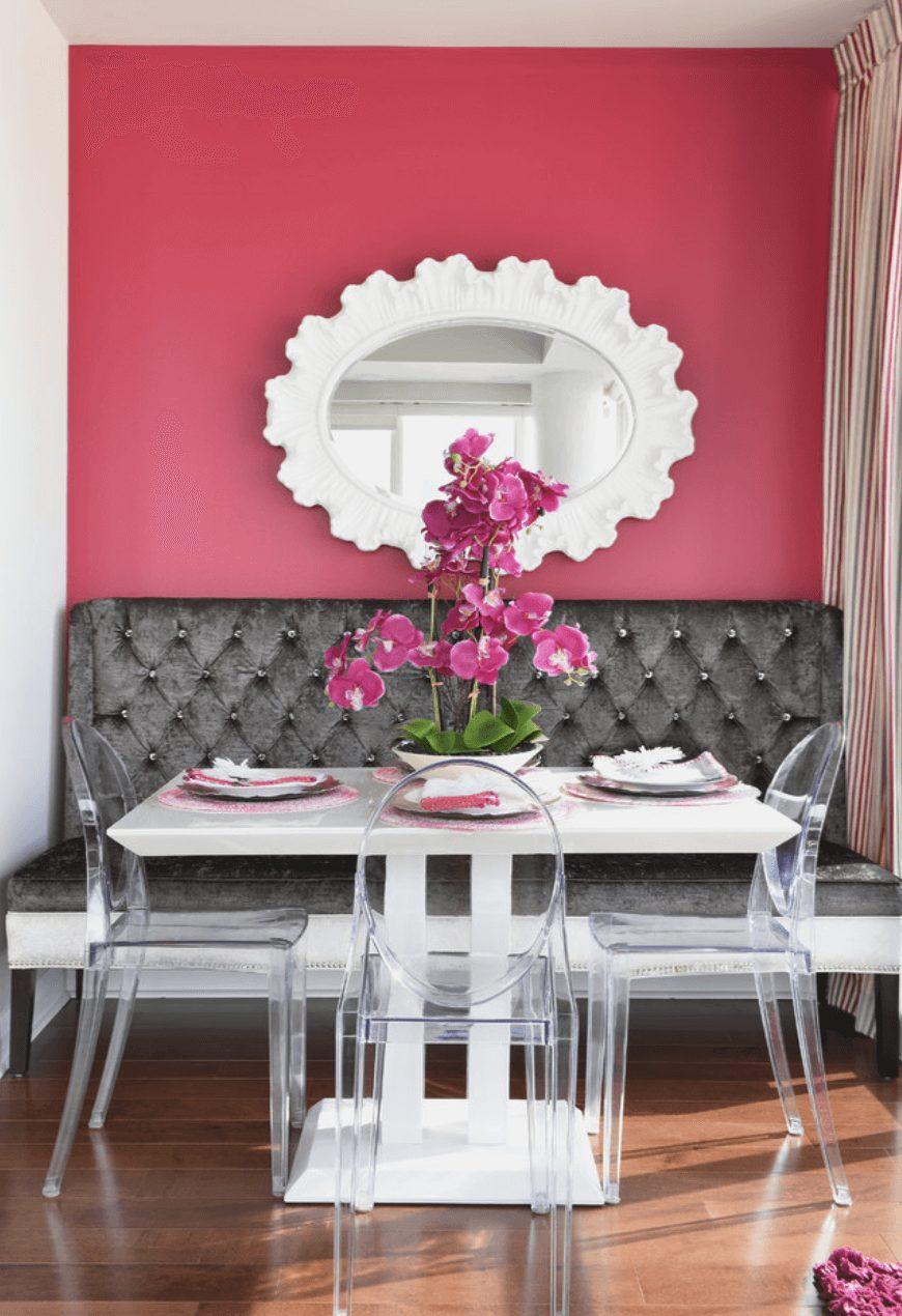 Sala de jantar pequena mesa quadrada