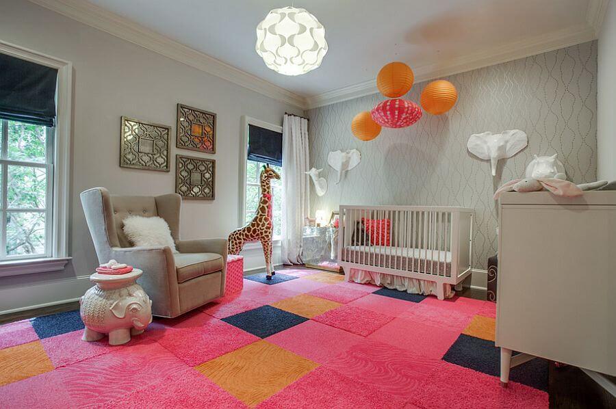 quarto feminino de bebê decorado