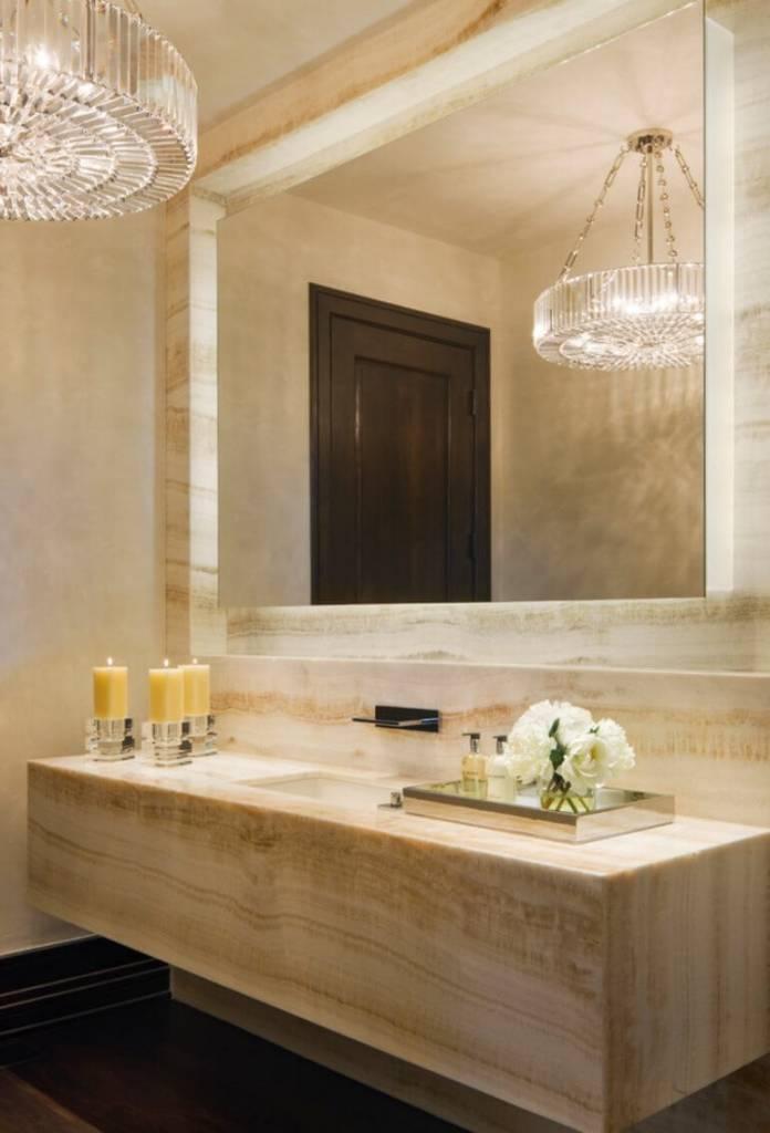banheiro decorado com velas
