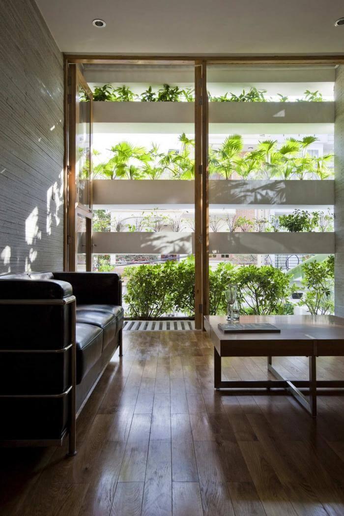 fachada com jardim vertical