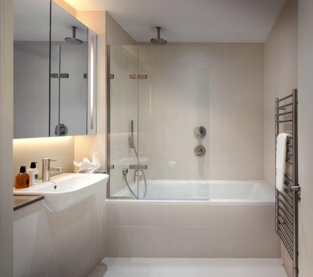 decoração de banheiro pequeno com banheira