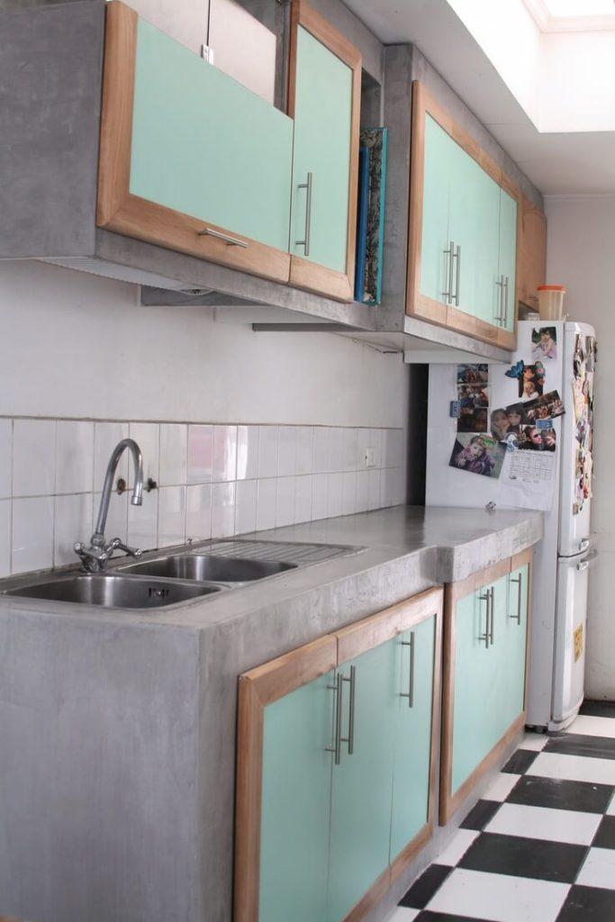 7 dicas para ter uma cozinha americana simples e econ mica for Gabinetes en cemento