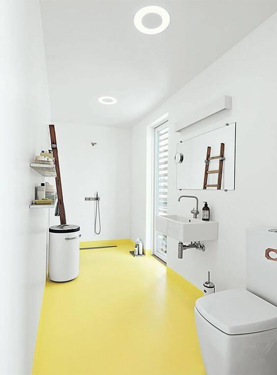 banheiro com piso de porcelanato líquido