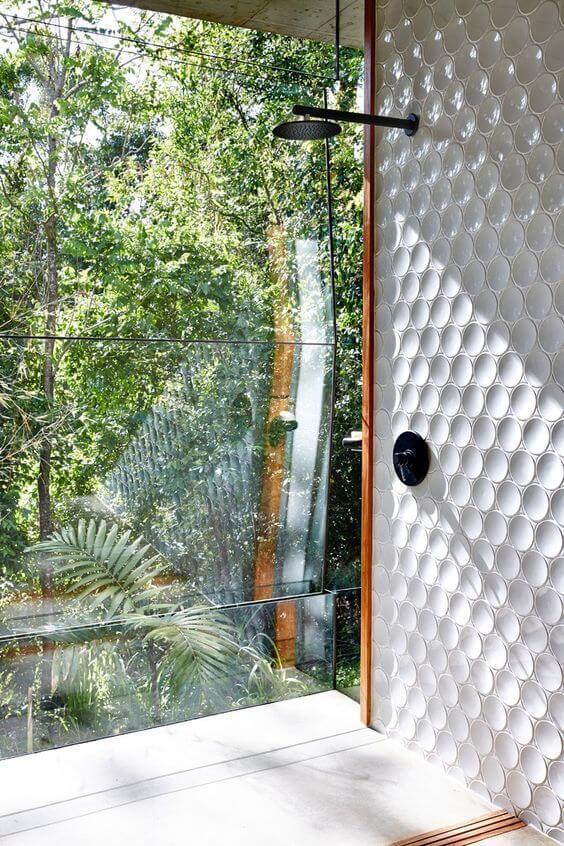 banheiro moderno com textura
