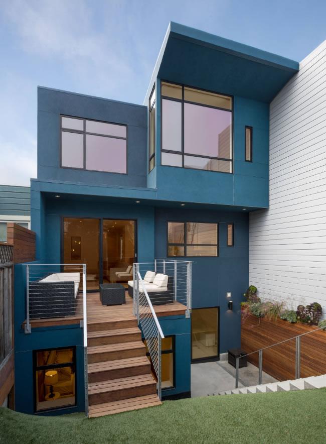 casa fachada azul escuro