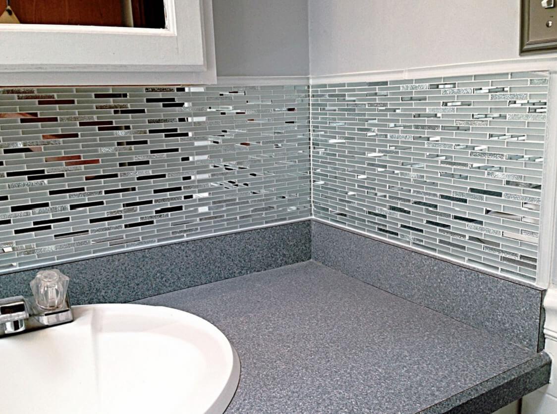 ideias interessantes de banheiros revestidos com pastilhas de vidro #5E331F 1124 836