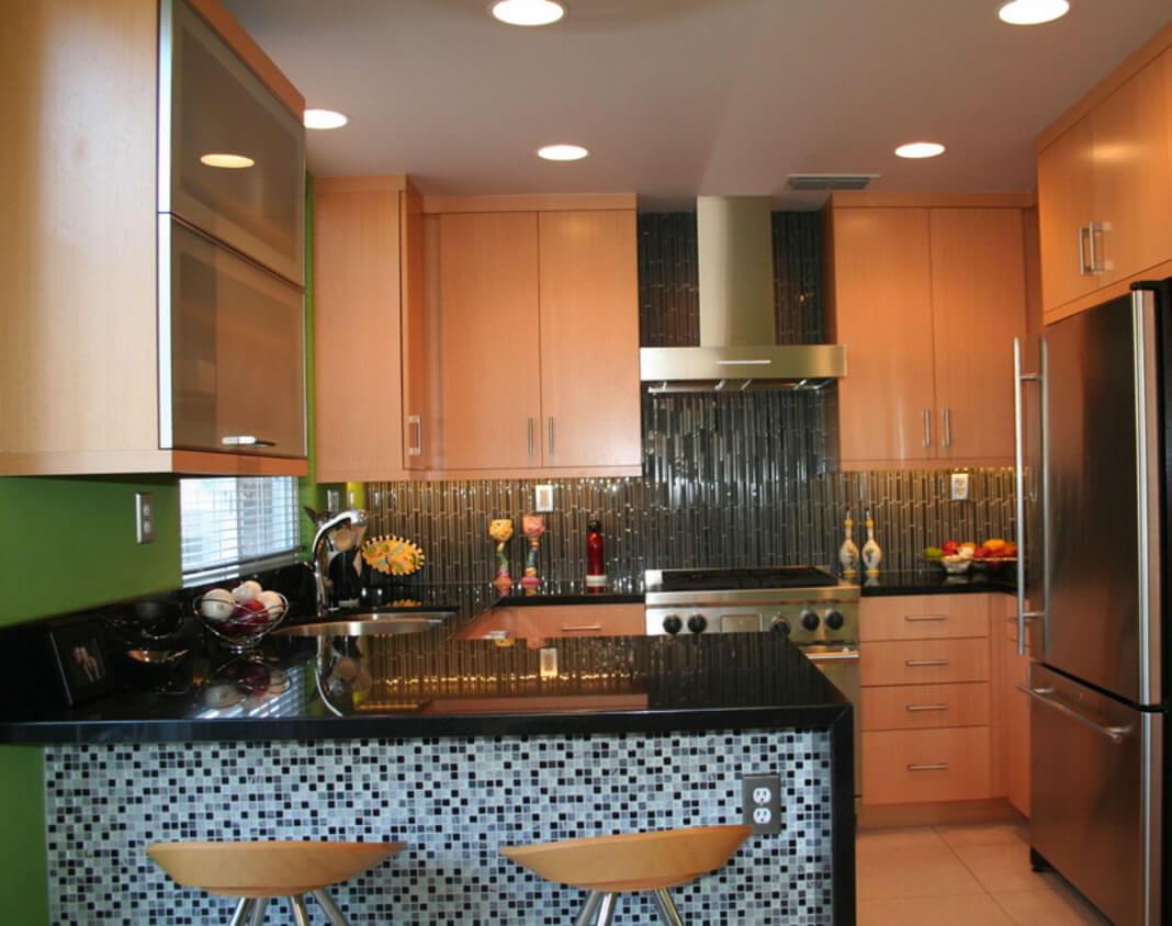 galeria de imagens com ideias para cozinhas com pastilhas de vidro #985B33 1068 844