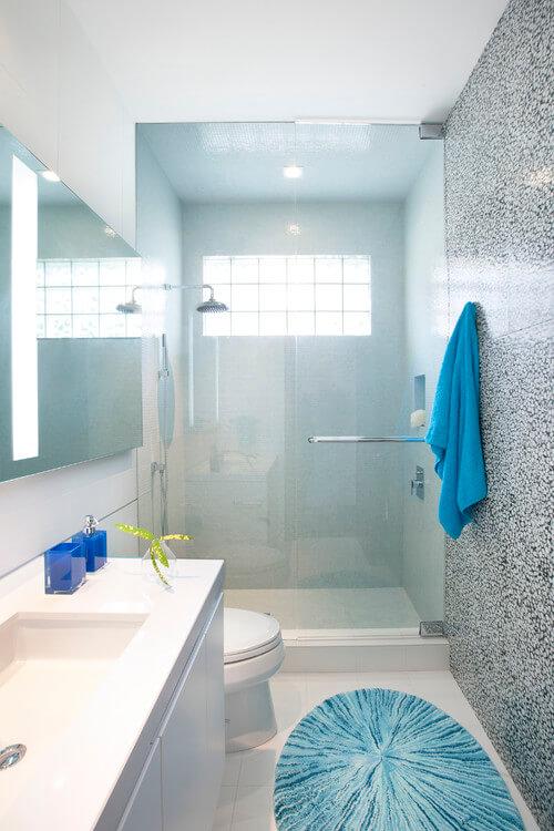 banheiros pequenos planejados e modernos