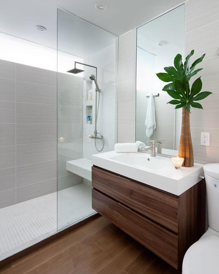 banheiro com móveis planejados
