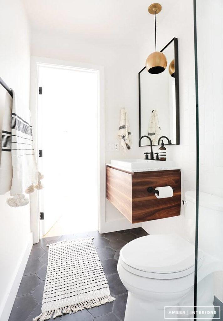 banheiro com bancada suspensa