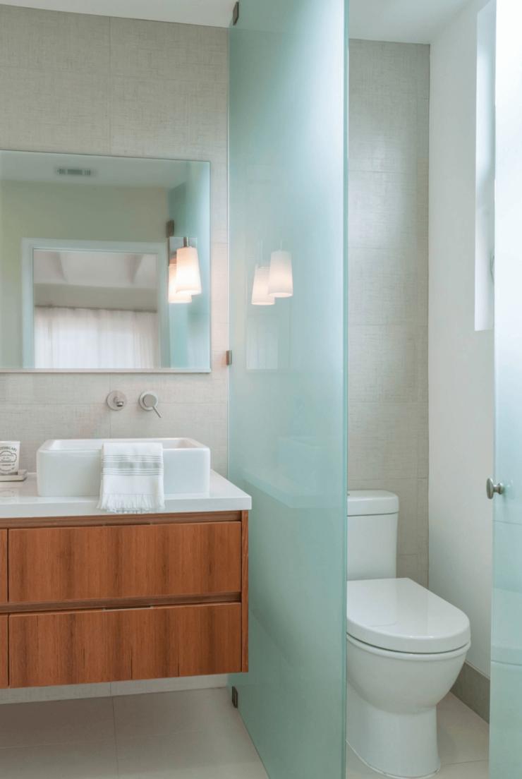 banheiro planejado com vaso separado