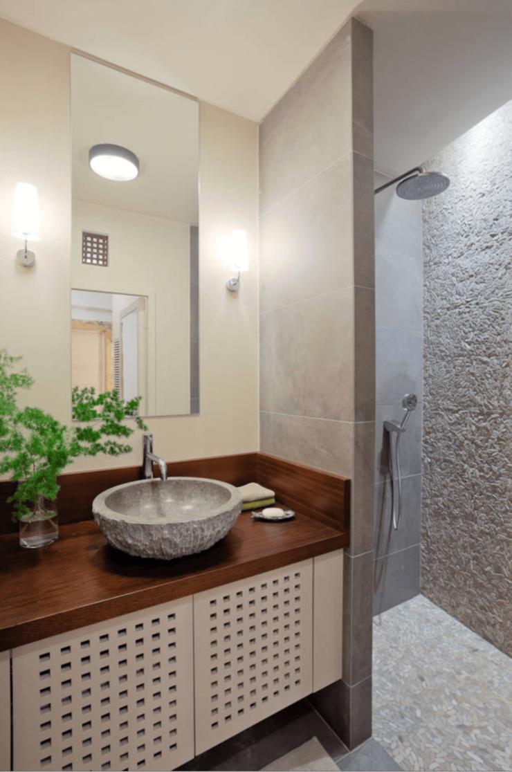 banheiro com bancada planejada