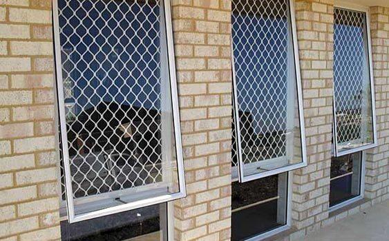 tela de proteção janela basculante