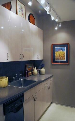 cozinha com trilho de iluminação